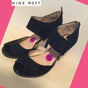 (Nine West) sz 8 1/2 M never worn leather zipper